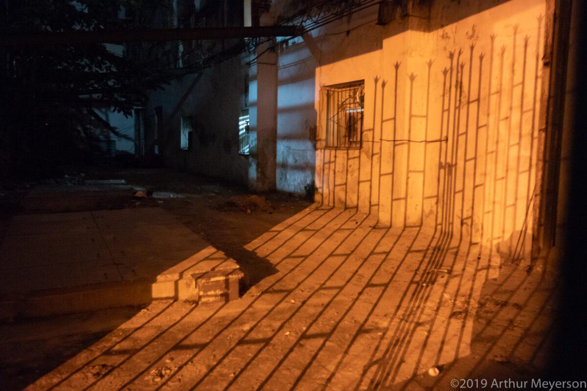 Fence Shadow, Havana