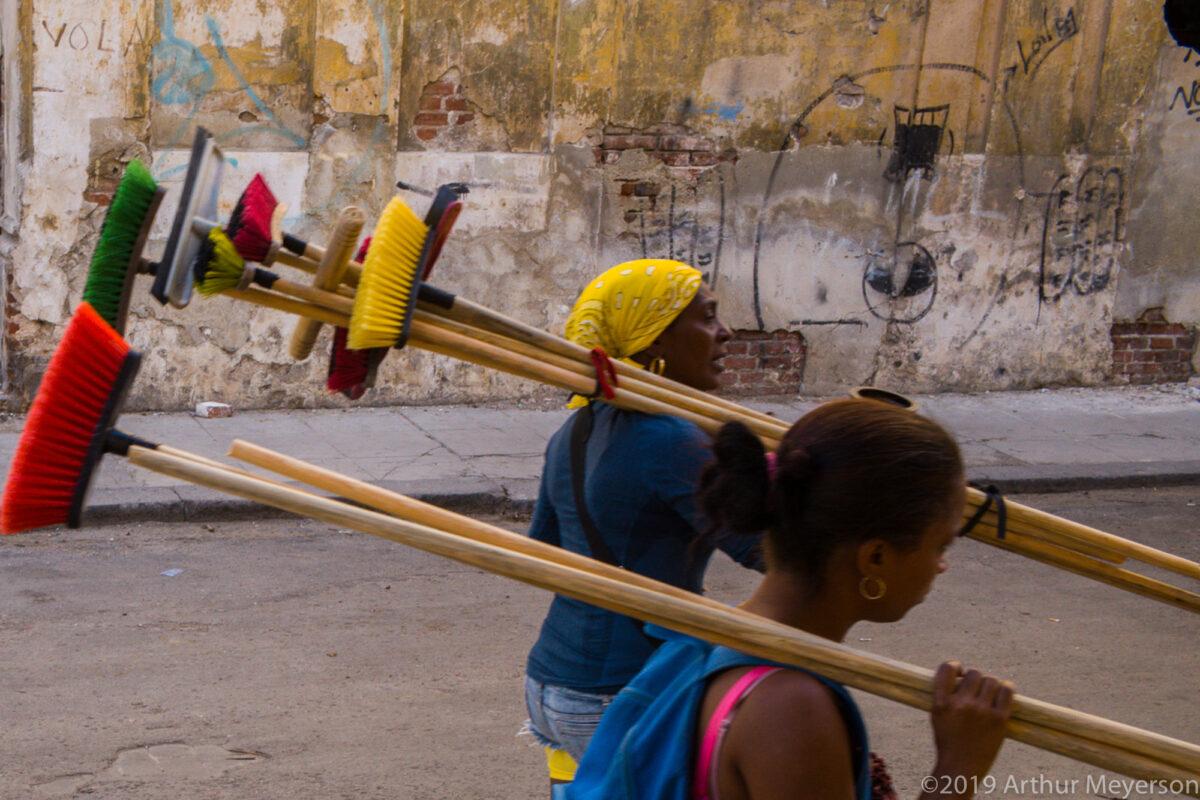 Brushes, Havana